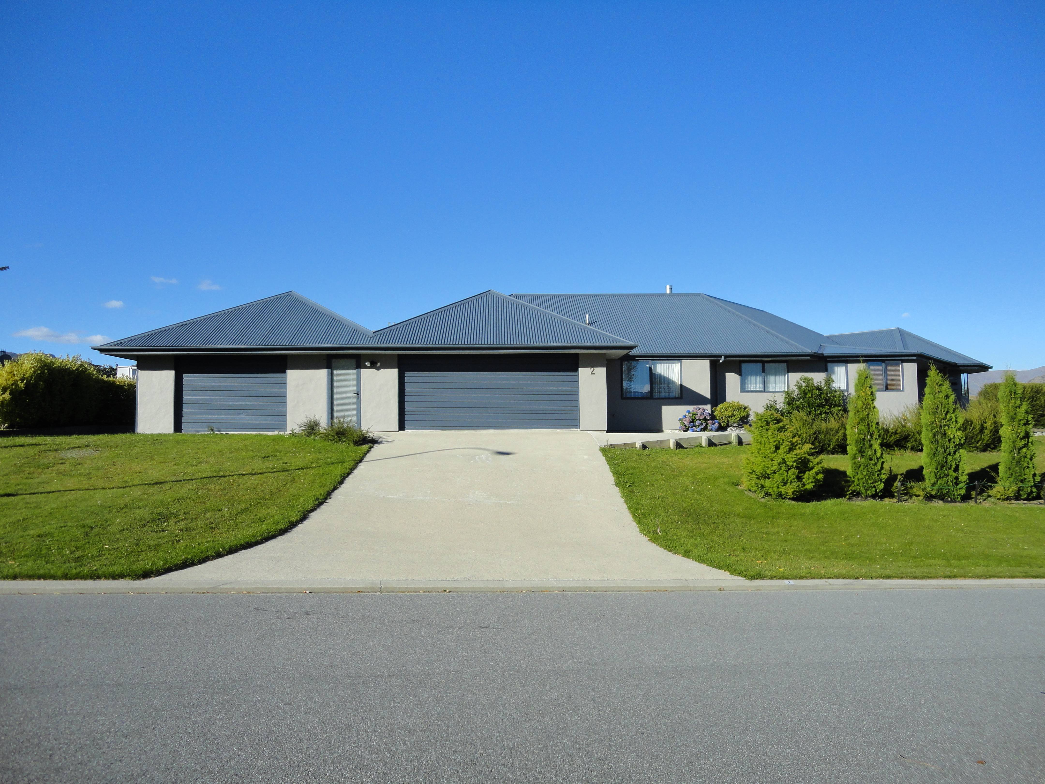 Homes queenstown queenstown central otago new homes for Luxury homes for sale new zealand