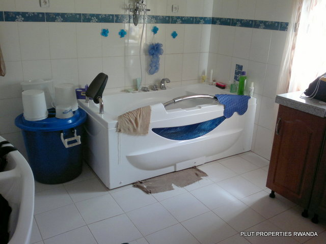 House for sale kigali kigali rwanda house for sale in for Kitchen units for sale in zimbabwe