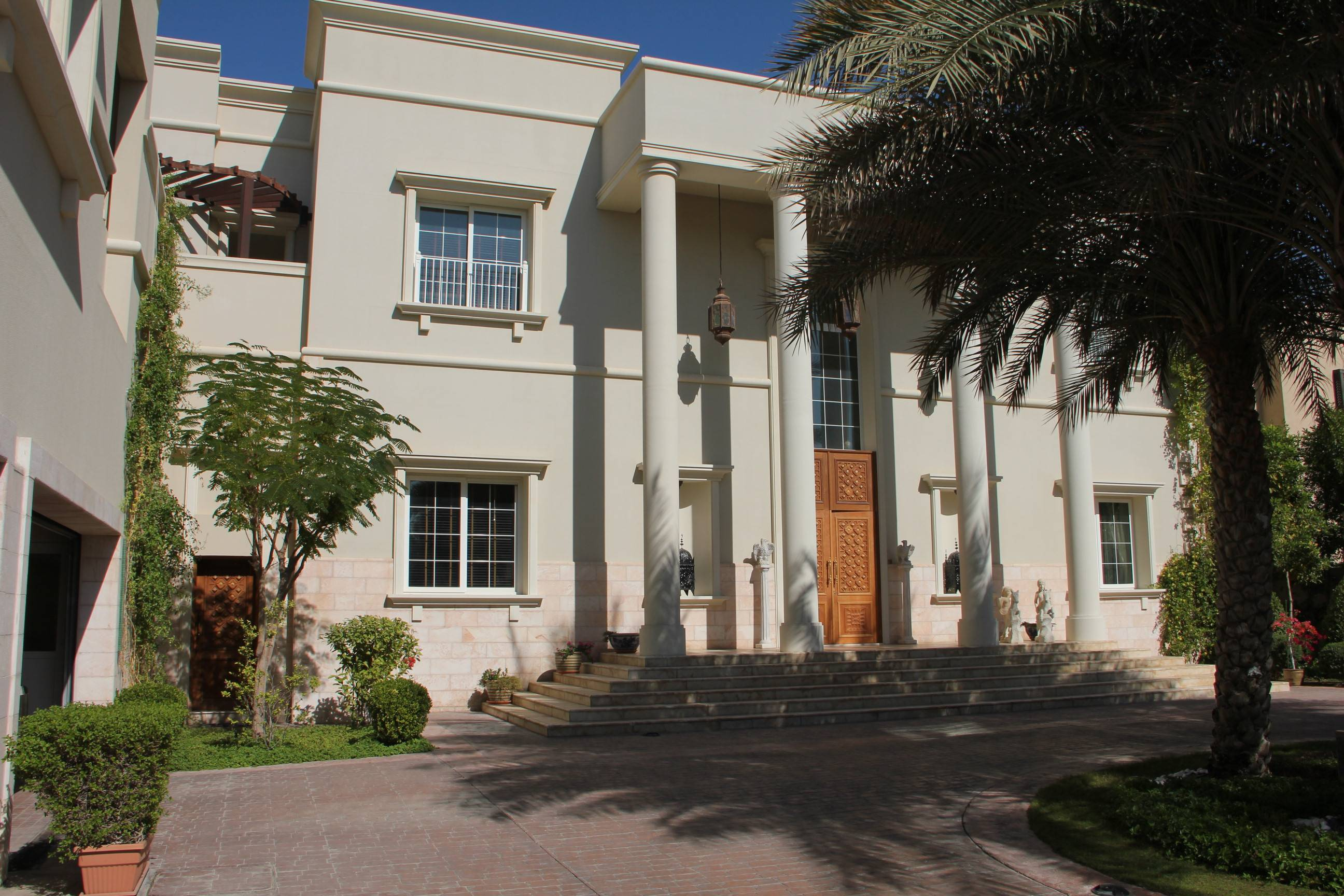 golf course view villa for sale in emirates hills dubai md united arab  emirates dubai emirates hill first villa for sale usd.