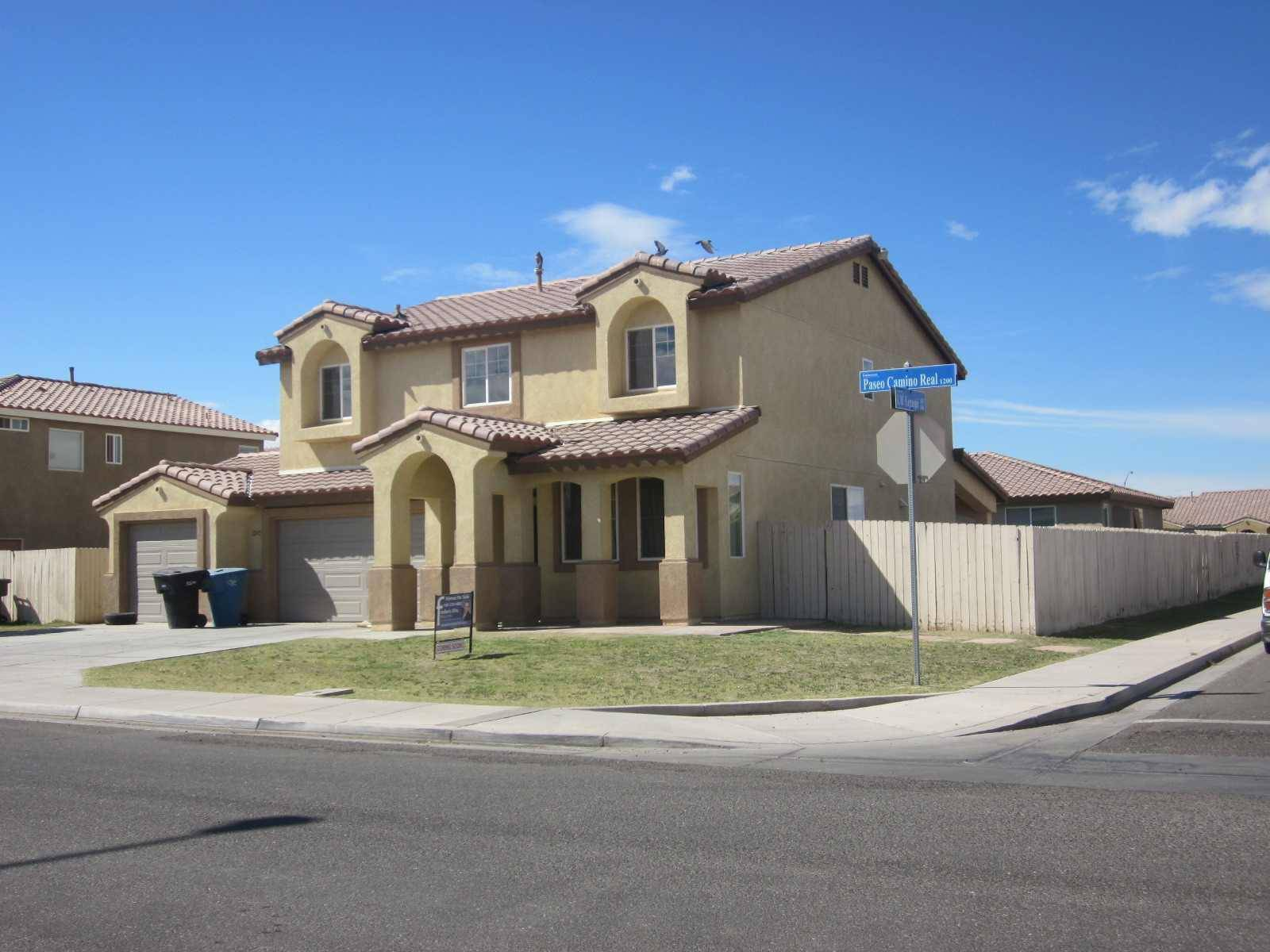 Calexico (CA) United States  city photos : House for Sale Calexico, California, United States Corner lot two ...