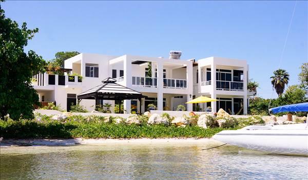 Vacation rental kingston kingston jamaica beautiful 6 Jamaica vacation homes