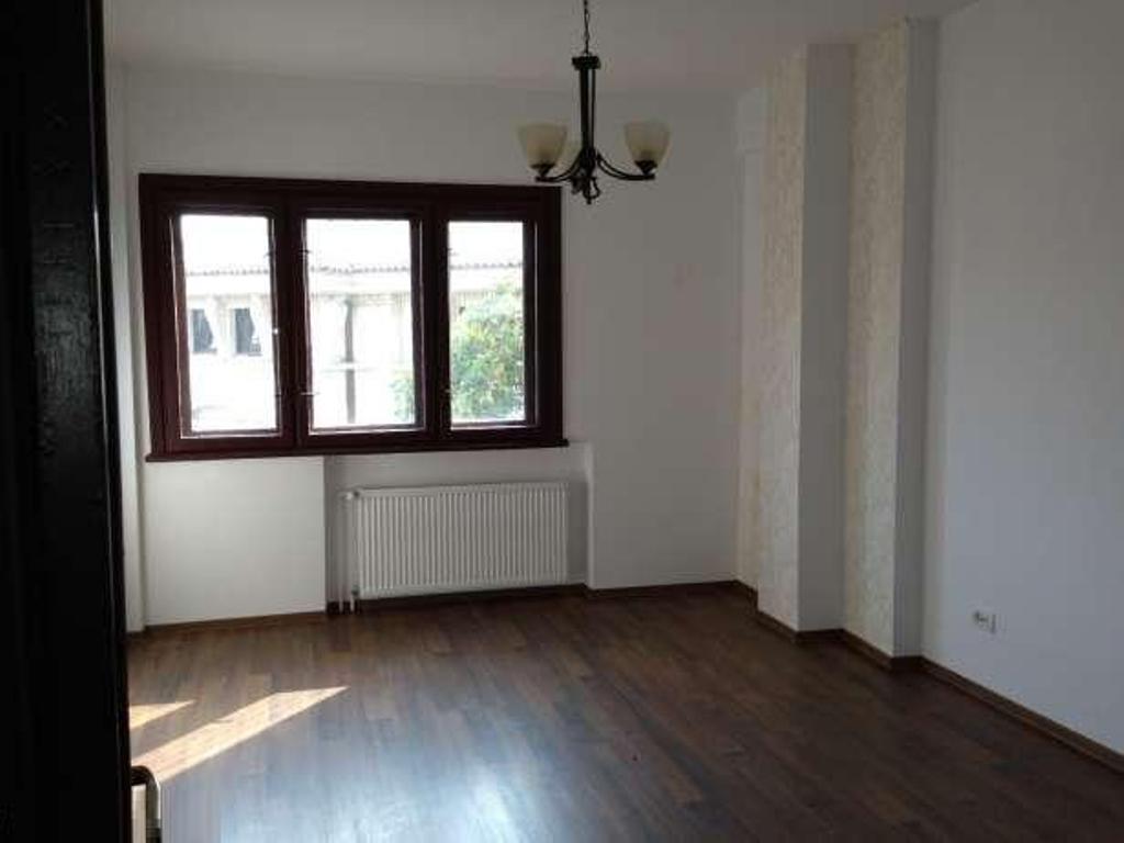 Apartment for rent bucharest bucuresti romania 4 rooms for Bucharest apartments