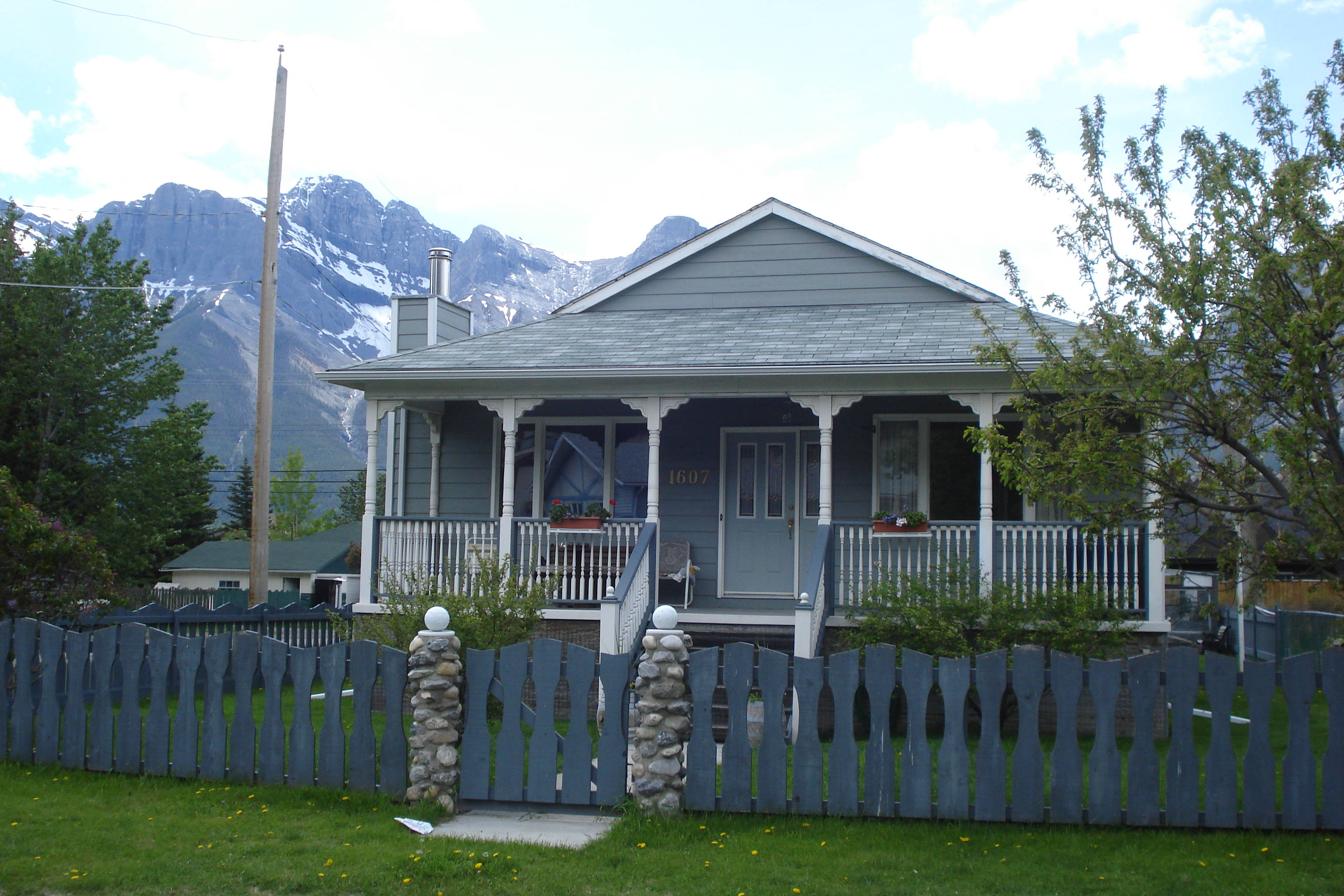 house for sale canmore alberta canada investment