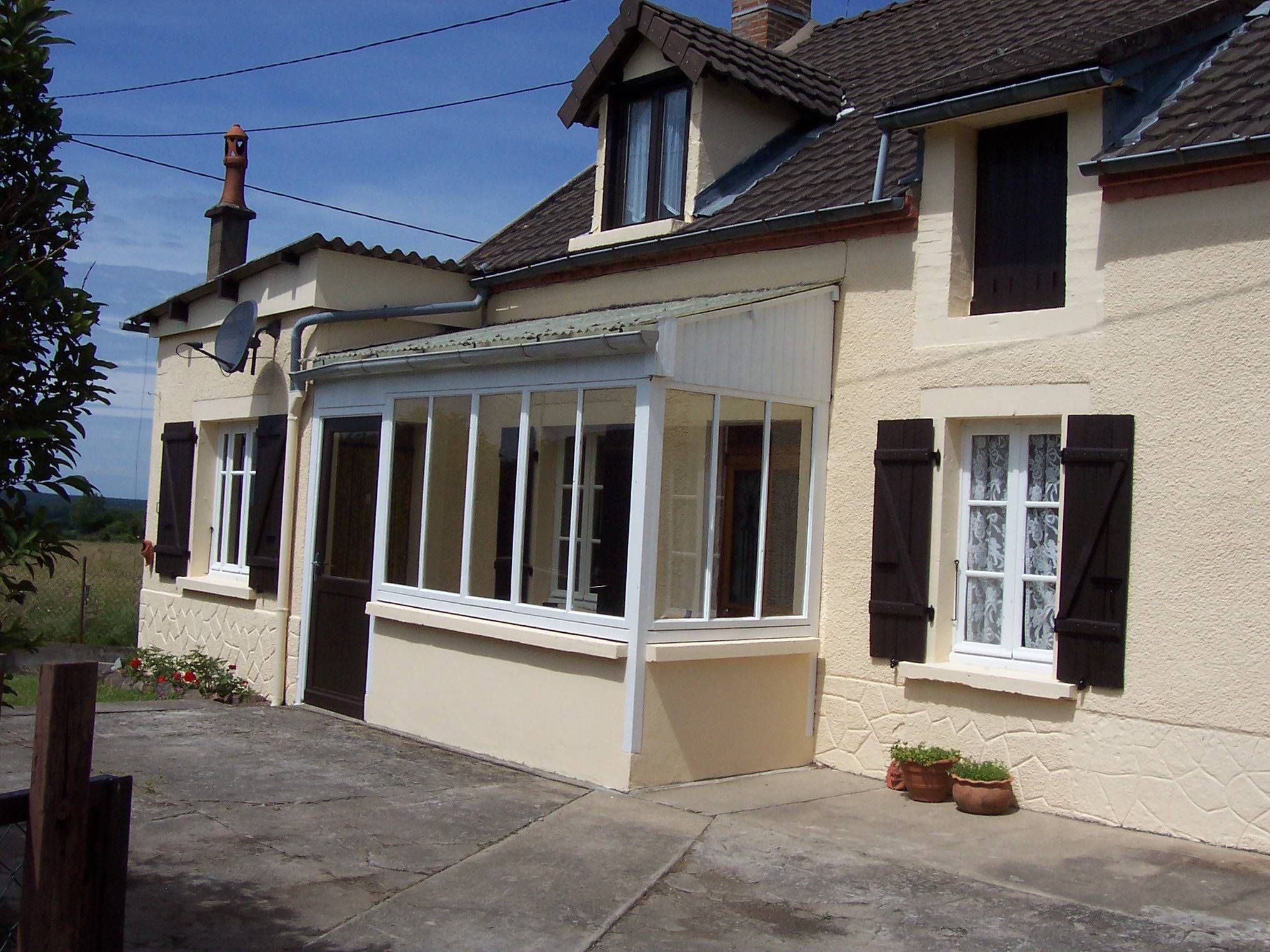 Renovated and recently redecorated house in burgundy for European mansions for sale